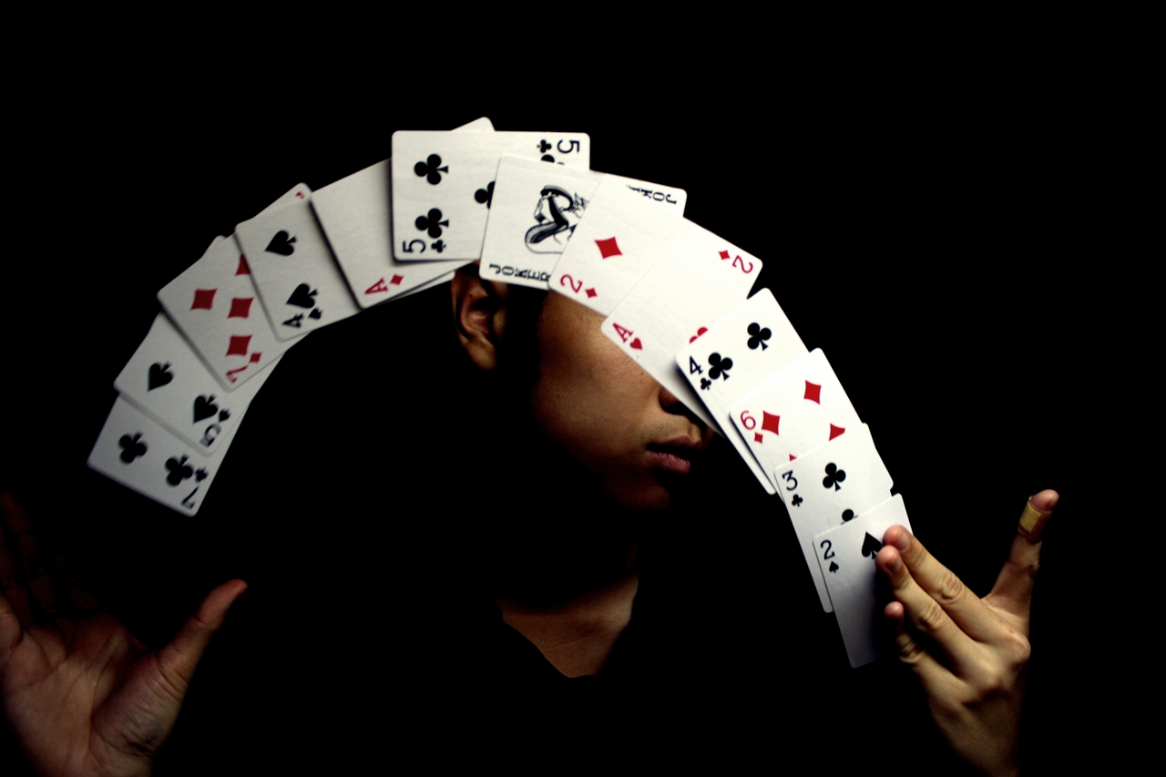 How to Do Magic Tricks and Reality of Tricks Presented by Magicians