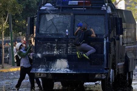 VENEZUELA-POLITICS-OPPOSITION-DEMO-CLASHES
